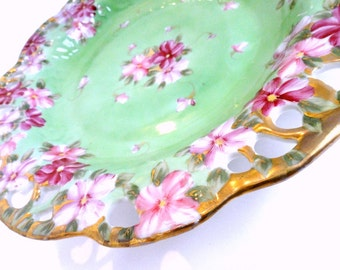 Mint Green and Pink Shallow Bowl Reticulated Scalloped Gilded Rim//Vintage Serveware//Entertaining