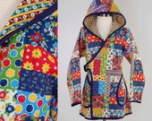 Vintage 70s floral patchwork quilted wrap jacket with HOOD / Cutest hand made folk jacket / Bohemian hippie coat