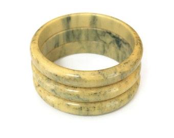 Ink Spot Bakelite Bracelet, Bakelite Bangle, Yellow Green, Creamed Spinach, Butterscotch, Banana Bakelite, Vintage Bracelet