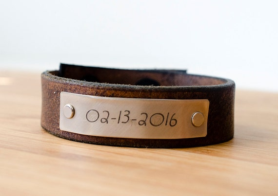 Minimal Custom Date Custom Leather Cuff - Gift for Moms