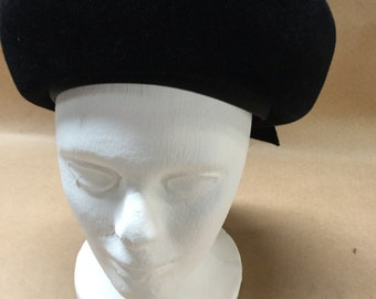 Peach Bloom Velour Black Hat Size 22 Union Made Merrimac Body Sailor Style