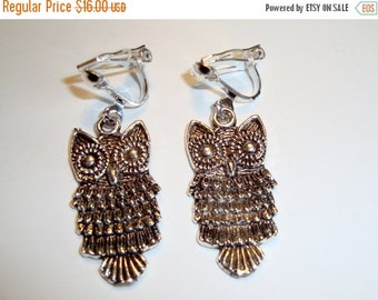 FALL SALE: Silver Plated Owl Clip On Earrings -  Cute Pair of Owls - Clip On earrings - Love of Birds - Owls are Outstanding
