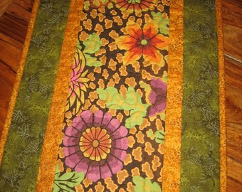Fall Table Runner, Quilted Table Runner, Kaffe Fassett Plum Green Gold Pink, Autumn Table Runner, Reversible Runner Fall tones, Handmade
