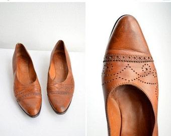 50% OFF SALE / SALE / Vintage Ralph Lauren brogued leather pumps / 6