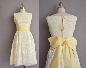 60s cupcake yellow lace bow vintage dress / vintage 1960s dress