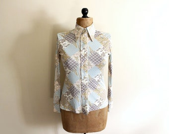 vintage blouse 70s patchwork quilt print folk womens clothing shirt pastel paisley disco 1970s size s m small medium