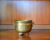 SALE vintage brass cauldron / vintage planter / halloween decor / metal pot / rustic home decor