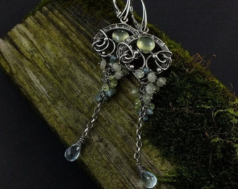 Wire wrapped earring, retro romantic earring, long pearl earring, green and blue earring