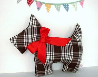 Scottie Dog Pillow / Flannel / Plaid Pillow / Black and White / Dog Pillow / Retro Home Decor / Nursery Pillow / New Baby