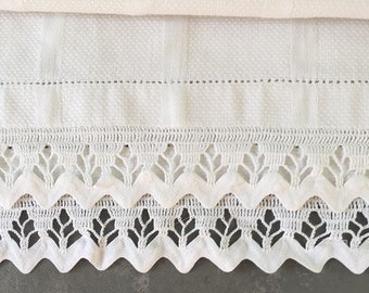 Vintage  Cotton Runner, white, long dresser scarf, rick rack, crochet