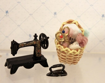 Miniature Dollhouse Singer Sewing Machine Knitting Basket Clothes Iron Dollhouse Sewing Room