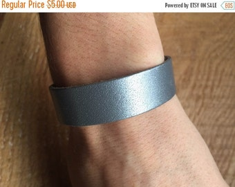 ON SALE Adjustable Metallic Silver Leather Cuff