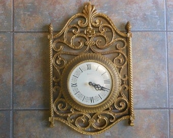 Syroco Retro Wall Clock gold plastic ornate design perfect apperance but does not work