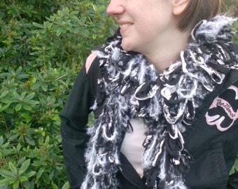 Loopy scarf