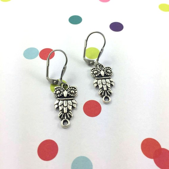 little light Bird owl silver metal earring charm on hypoallergenic stainless steal hook, les perles rares