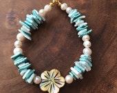 Hawaiian Beaded Bracelet, Turquoise Bracelet, Beach Bracelet, Chip Shell Jewelry, Summer Jewelry, Pearl Bracelet, Floral Bracelet