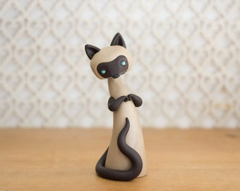 Siamese Cat Sculpture by Bonjour Poupette