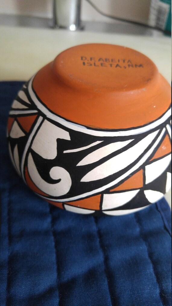 Native American Pottery Vase Isleta Pueblo New Mexico Small