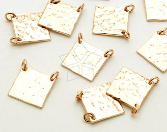PD-1471-RG / 2 Pcs - Rectangular Plate Sideways Pendant. Hammered Square, Rose Gold Plated over Brass / 10mm x 10mm