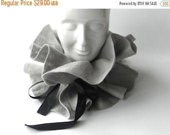 ON SALE Felt scarf, gray scarf,  gray wool scarf, warm woman scarf, original accessory Great gift idea, Ready to send