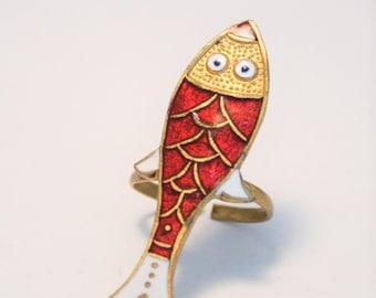 Vintage fish ring.  Red enamel fish ring.UK size K.  US size 5.25