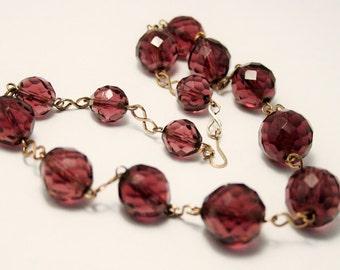 Vinatge purple glass bead necklace