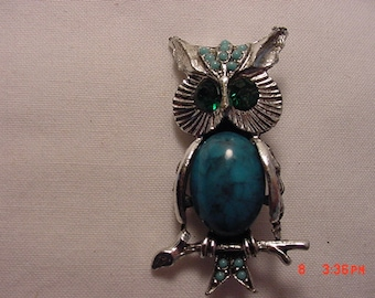 Vintage Owl Faux Turquoise And Rhinestone Brooch  16 - 171