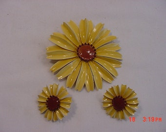 Vintage Sunflower Metal Brooch And Clip On Earring Set  16 - 200