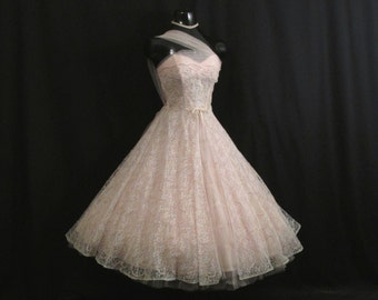 Vintage 1950's 50s Strapless Bombshell PINK Ivory Lace Tulle Ribbon Bows Party Prom Wedding Dress Gown