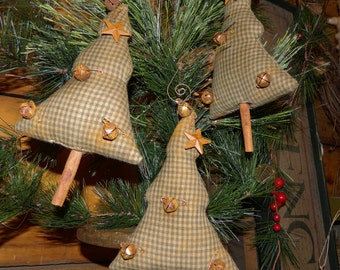 Muted Homespun Primitive Christmas Tree Ornies With Hangers On Cinnamon Sticks Set Of 3-FAAP-TEAM HaHa