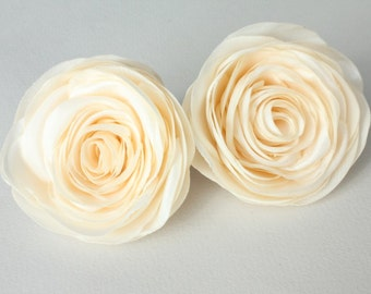 Couple cream flowers, bridal hair clips, wedding hair accessories, pastel flowers, bridal hairpiece