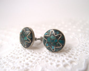 vintage Turquoise Chip Inlay silver button Earrings / Navajo Native American screw-back earrings