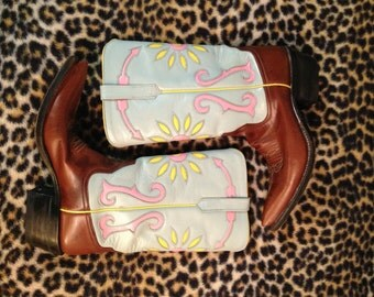 Rio of Mercedes Cowboy Western Boots Women's 8 1/2 Aqua Brown Yellow Pink Tooled Flower Arrow Rodeo Billy Martin Acme Rocket Buster Style!