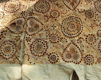 Colorful Antique Eylet Lace Trim Clothing Remnant