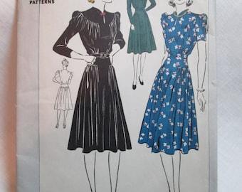 "Antique 1939 DuBarry Pattern #2384B- size 32"" Bust"