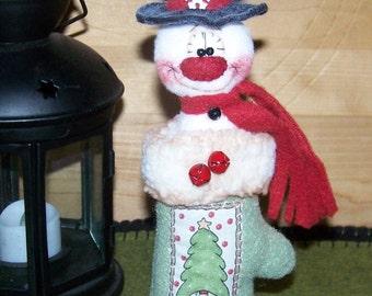 Primitive Winter Snowman in Mitten Shelf Sitter Ornie