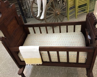 Victorian Walnut Cradle, Antique Victorian Bed, Ornate Wooden, Antique Furniture, Victorian Crib, Late 1800's, Oak Bed