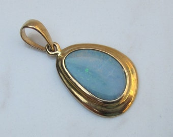 Vintage 14k Solid Yellow Gold and Boulder Opal Pendant