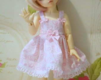 Littlefee -YOSD similar sized dolls dress in baby pink and white