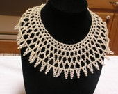 Vintage Victorian style faux pearl collar