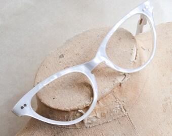 1950s Marbled white cat eye spectacle frames / 50s cateye eyeglasses