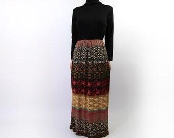 VINTAGE 1970s Maxi Dress Black Printed Long