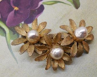 MIRIAM HASKELL 3 Daisy Flower & Baroque Pearl Brooch