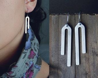 Asymmetric arc earrings / dangle arc earrings / abstract geometric earrings / stainless steel earrings / lightweight earrings