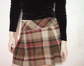 90s brown and red plaid mini skirt size m