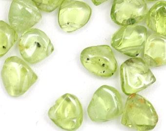 DESTASH Peridot Beads - Smooth Heart Briolette - 37 Pieces