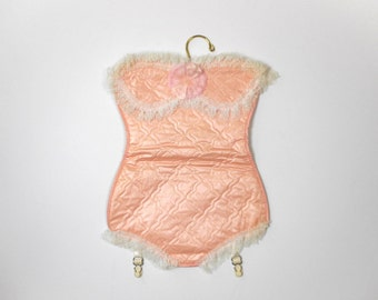 Vintage Lingerie Bag on Hanger Pink Quilted Ruffled Lace Unused with Tag Mylady Dainty Bag for Hosiery and Dainties Closet Storage Travel