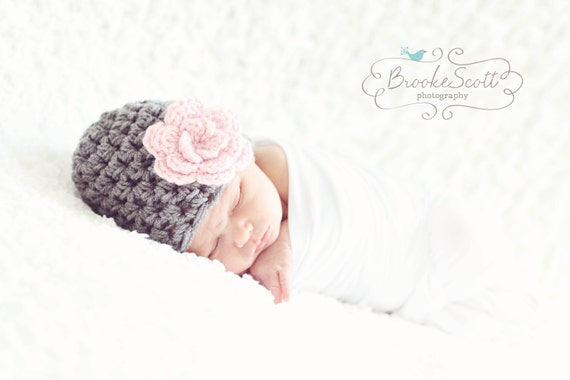 Newborn Girl Hat, Baby Girl Beanie, Crochet Baby Hat, Newborn Baby Hat, Gray Pink Baby Hat, Photography Prop, Hat for Baby, Hat with Flower