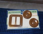 "Vintage 1930s Dark Brown Buttons and Buckle Set on Original Card 6/8"" Buttons"