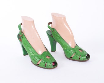 Vintage 40s HEELS / WWII Era 1940s Bright GREEN Perforated Leather Peep Toe Slingback Pumps 6